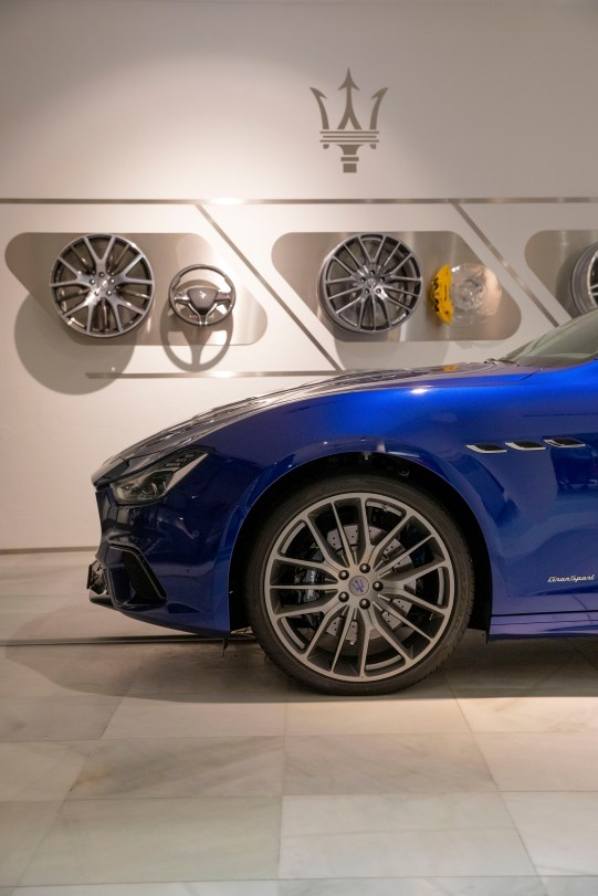Maserati Flagship Showroom St (3)