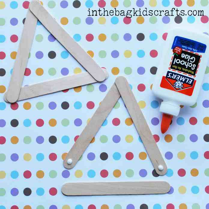 Making triangle popsicle stick frames