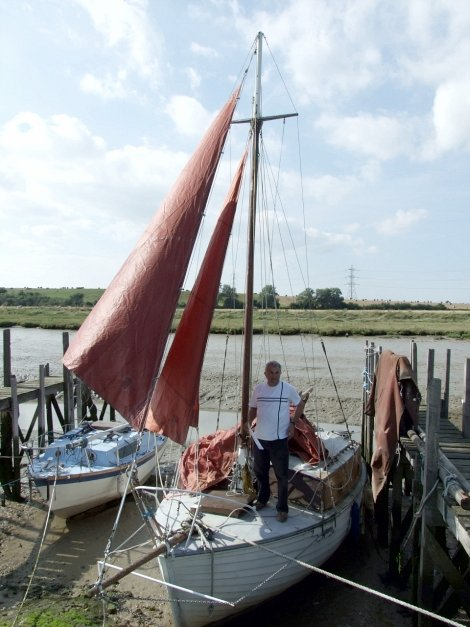 Clinker built Dauntless 22 cruising sailing yacht for sale at Oare Creek