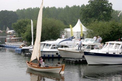 Beale Park Thames Boat Show