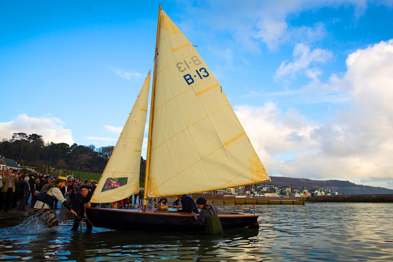 BBA students build Herreshoff Biscayne Bay sailing skiff – intheboatshed.net