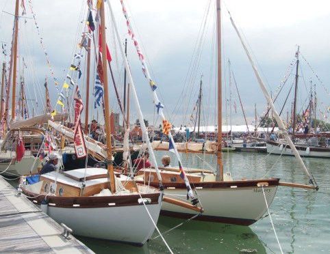 Yarmouth Old Gaffer Festival – Pete Bromwich takes a harbour stroll