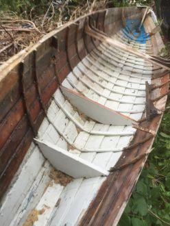 elegant-rowing-boat-2