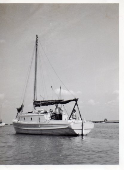 1964 The Welcome II, Uncle Alan & Catharine at Queenborough 2