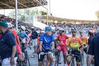 Riders old and young lining up to race. Photo: Owen Lloyd