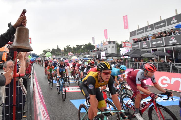 Stage 12 action Giro dItalia