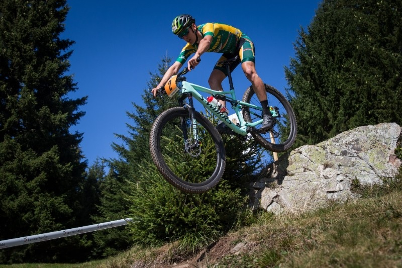 South African Alan Hatherly's U23 cross-country race at the UCI MTB World Championship