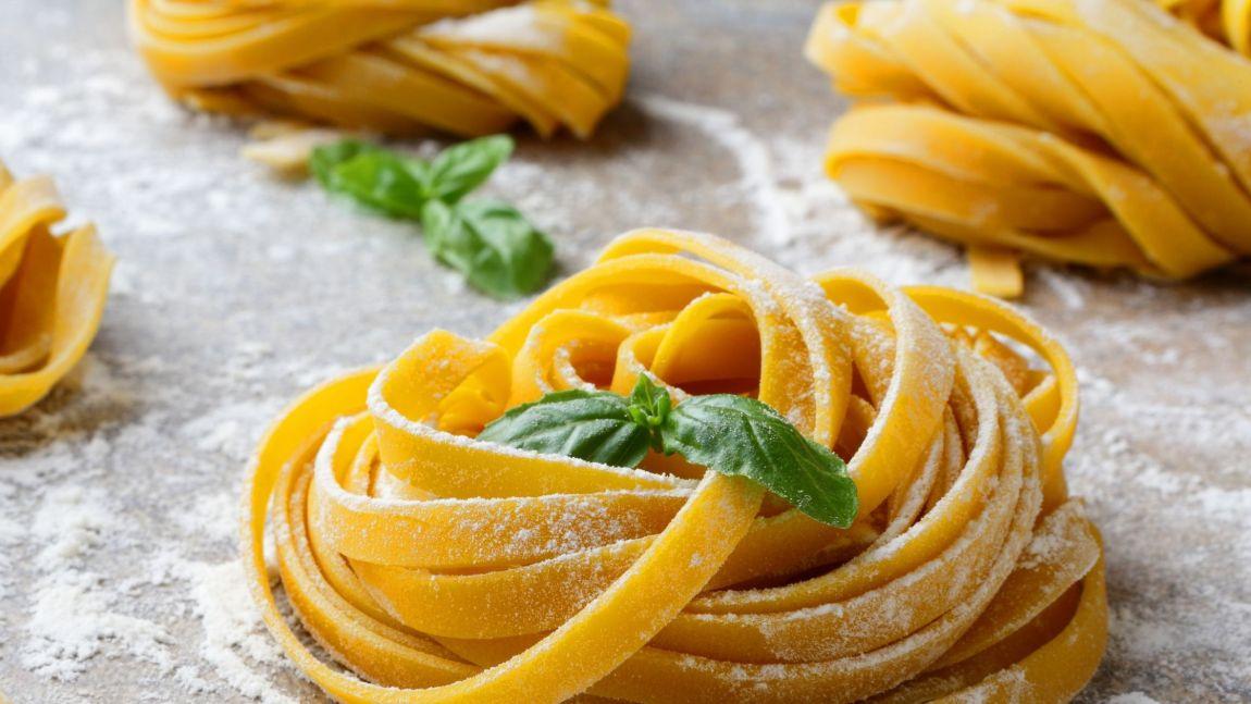 Fresh pasta with basil