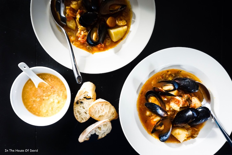 #bouillabaisse #fishdinner #fishideas #frenchcooking #frenchmeals #dinnerideas #recipeideas #diy #cooking #easycooking #muscles #shrimpmeals #faitmasion #homemade #familytime #kidfriendly #gatheraroundthetable