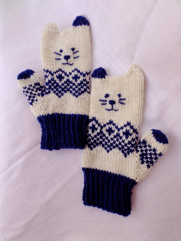 e2d6b63ddf1a Craft Passions  Norwegian Kitten Mittens.  free  knitting pattern ...