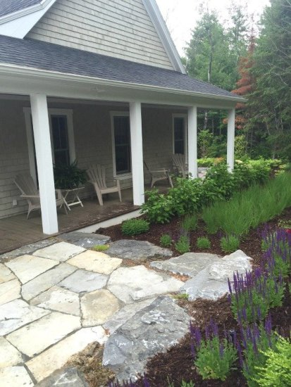 Cottage Style Landscaping and Pavers