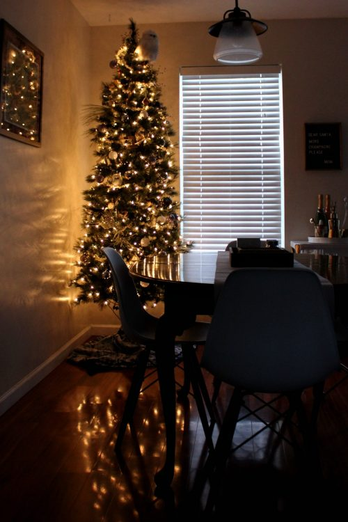 minimalist christmas decor dining room