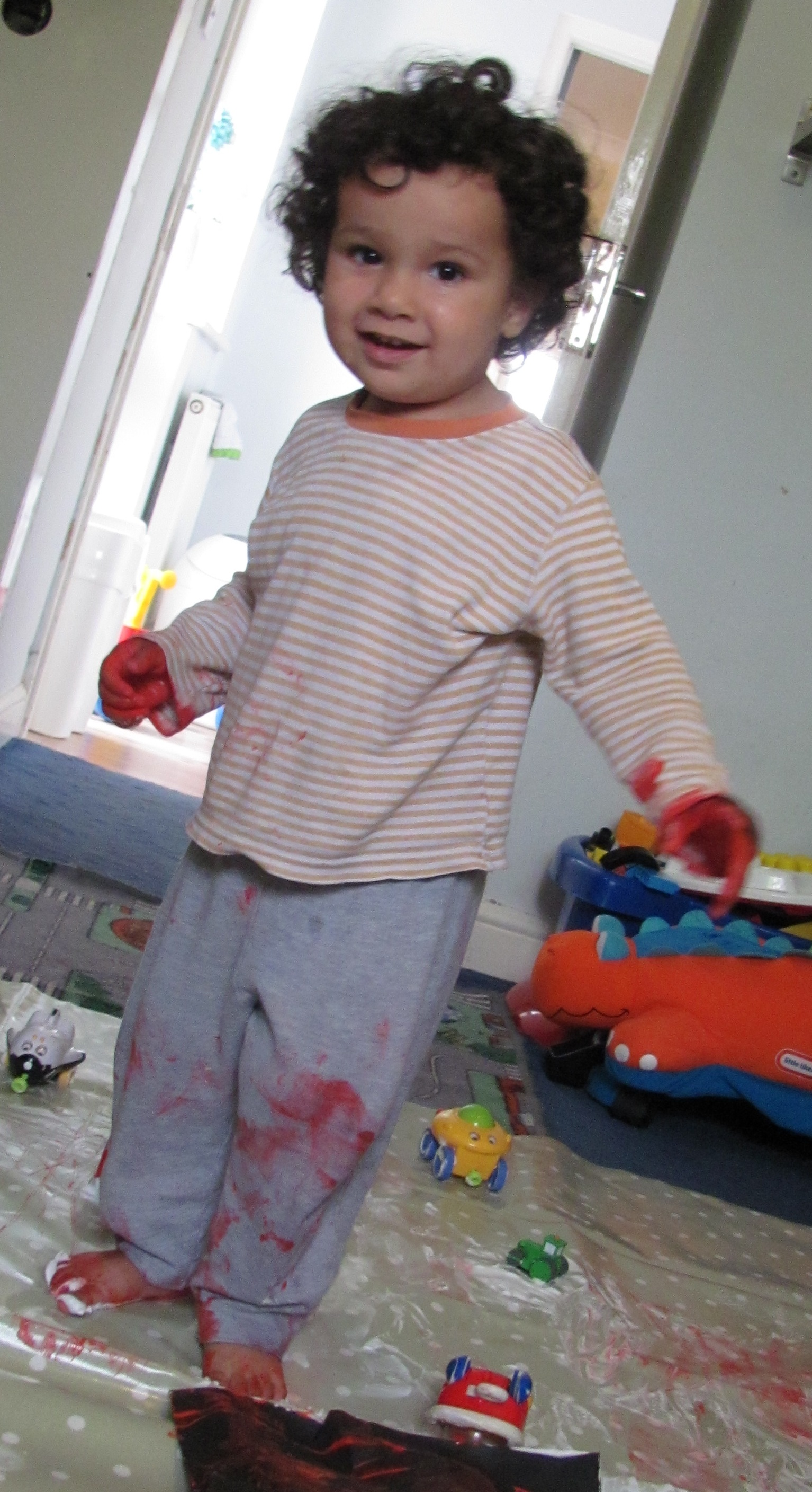 Messy Play with Oilcloth - In The Playroom | 1534 x 2815 jpeg 779kB