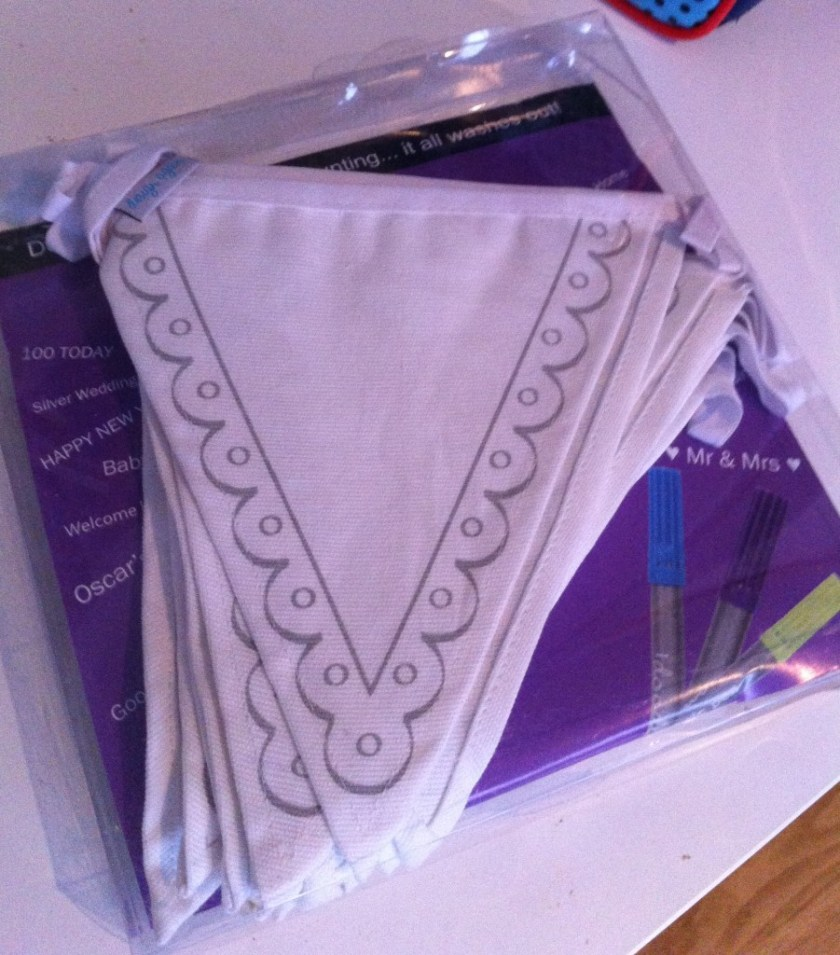 drawable bunting