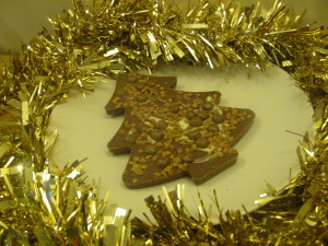 tesco christmas chocolate santastic cinnamon chokablok tree