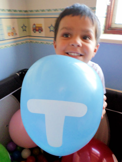 letter balloon