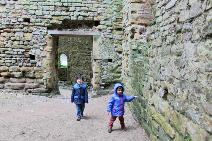 great hall at chepstow castle