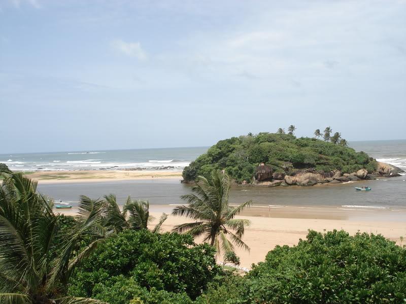 sri lanka beruwela beach