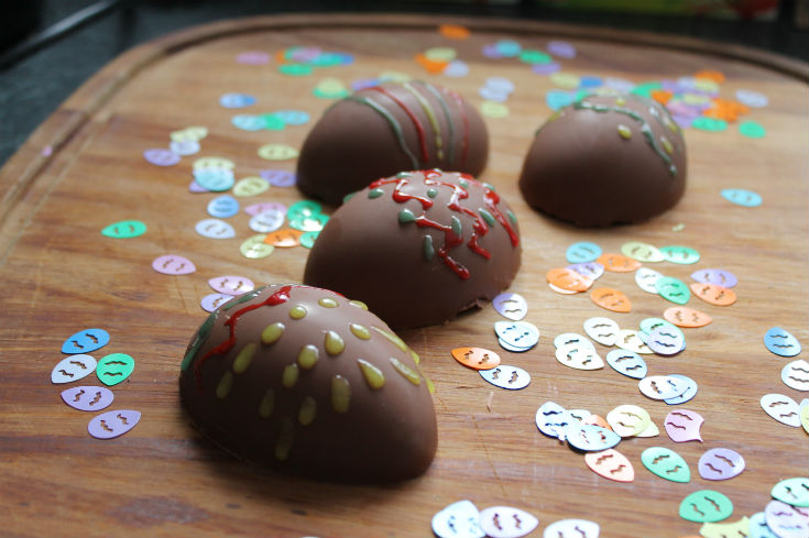 easy way to make chocolate easter eggs - easter egg decorating ideas