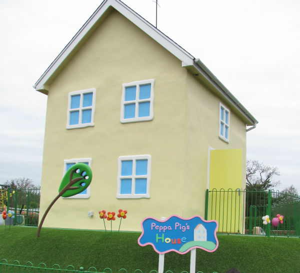 peppa pig world peppa pig's house