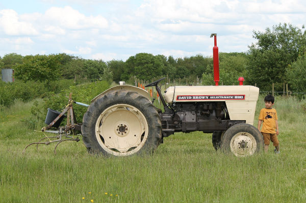 bullscroft farm hertfordshire tractor