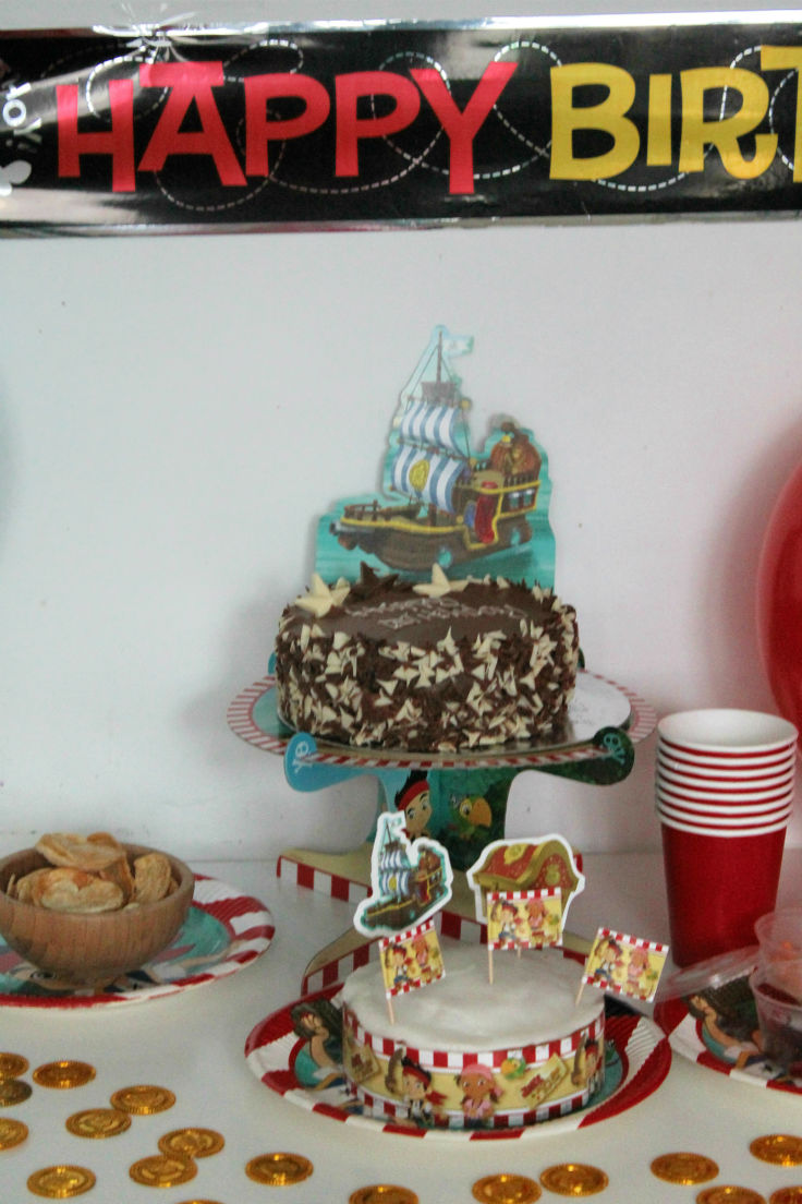Jake and the neverland pirates party - birthday party table