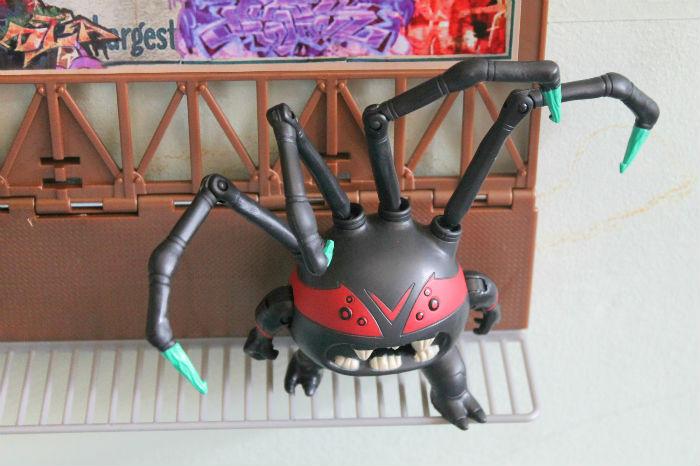 Teenage mutant ninja turtle spider bytez figure