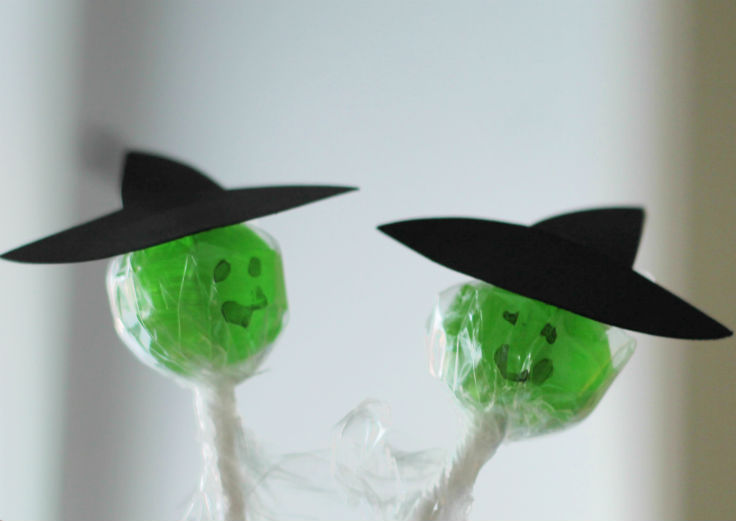 Easy DIY witch lolly for Halloween