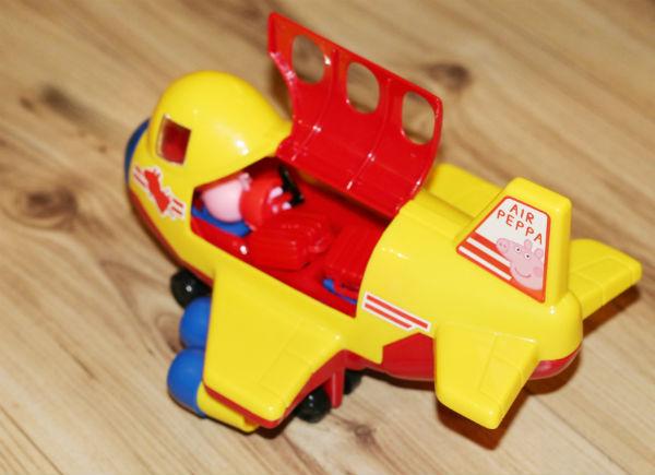 peppa-pig-plane-2