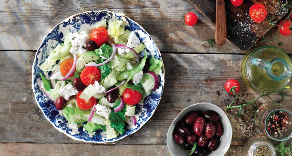 how to make a healthy fresh classic greek salad