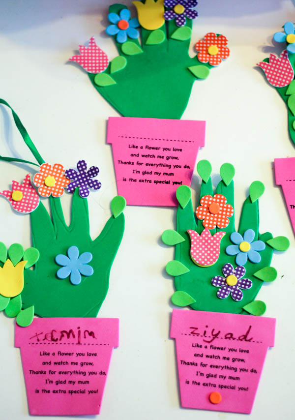 handprint flowerpot craft with a poem for Mothers Day