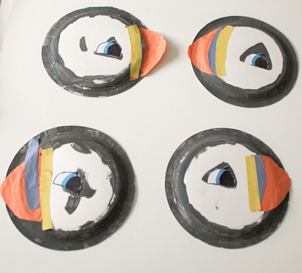 paper plate puffins