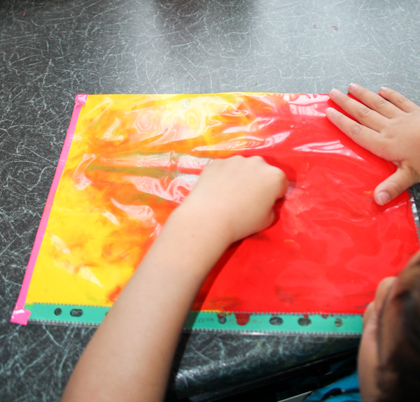 colour mixing in a ziplock bag or folder sensory mess free painting