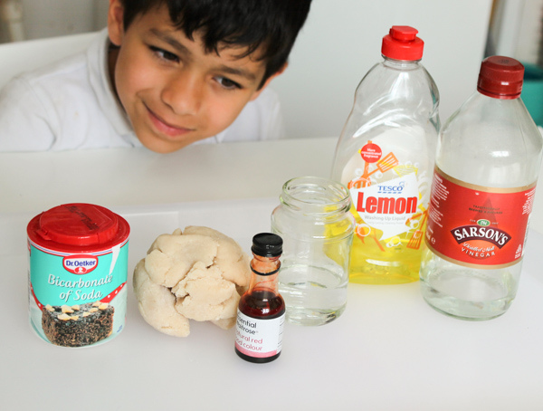 bicarbonate of soda and vinegar reaction experiment