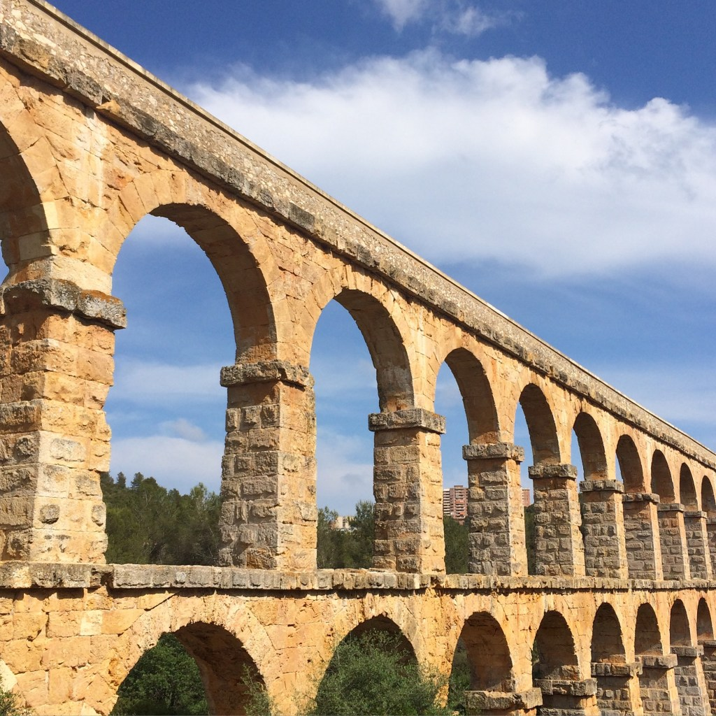 pont del diable spain catalonia