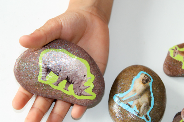 wild animal story stones for zoo theme