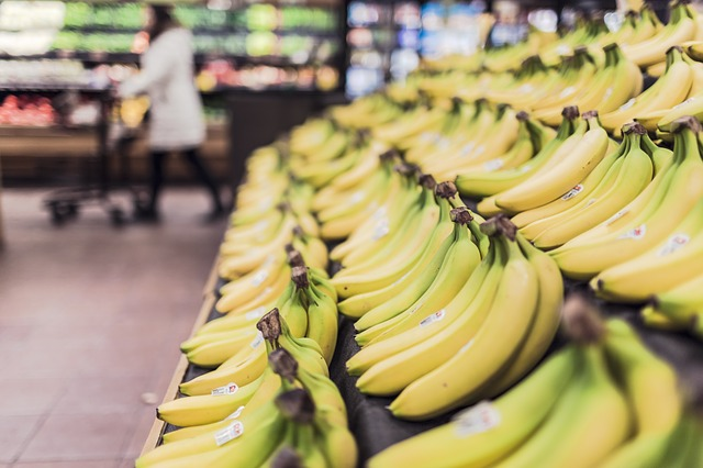 money saving life hacks for students, how to save in supermarket shopping