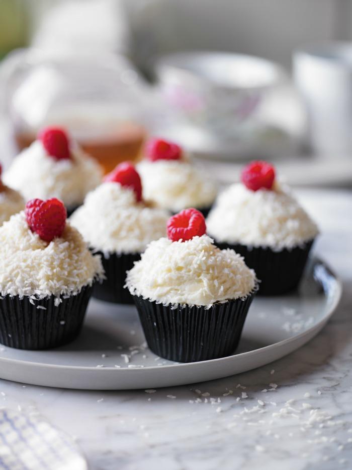 Coconut-Raspberry-cake