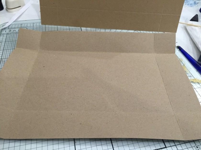 making a cardboard suitcase