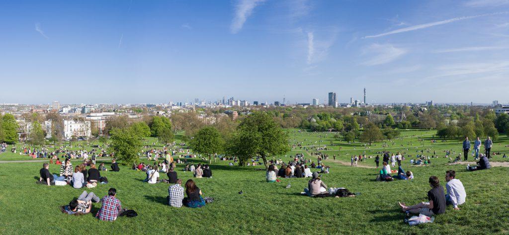 primrose_hill_panorama_london_-_april_2011-min
