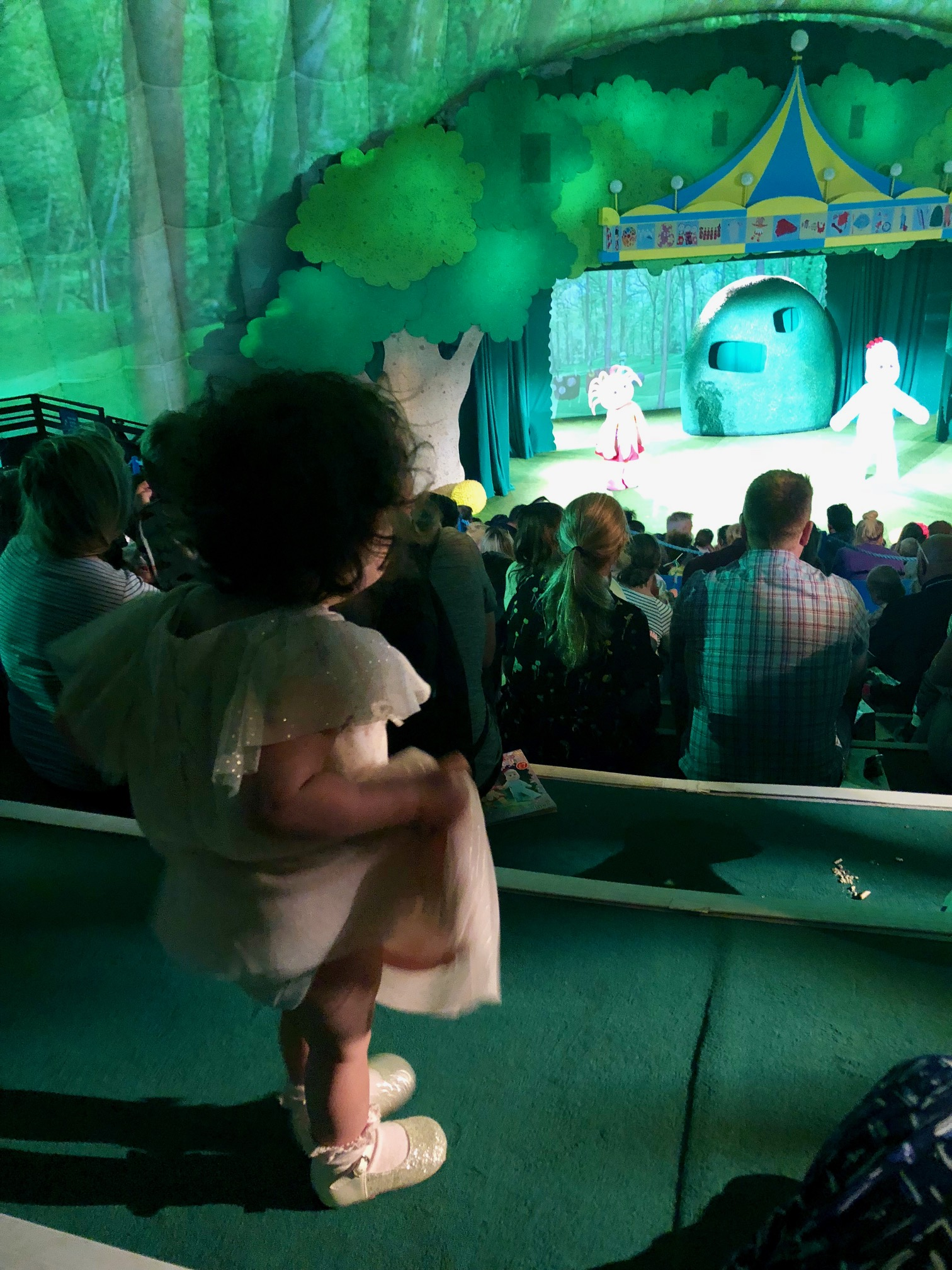 I decided to go towards the back where it was less busy so that we could feel the most relaxed. As the seating is in steps youu0027ll get a good view from ... & In The Night Garden Live Review - In The Playroom