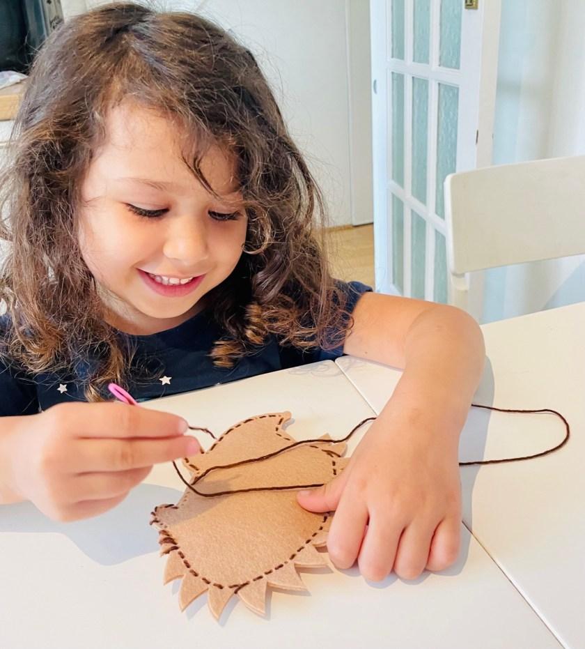 sewing felt hedgehog craft