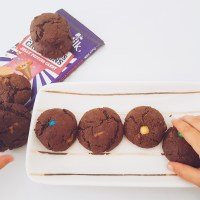 Cadbury's chocolate popping candy cookies
