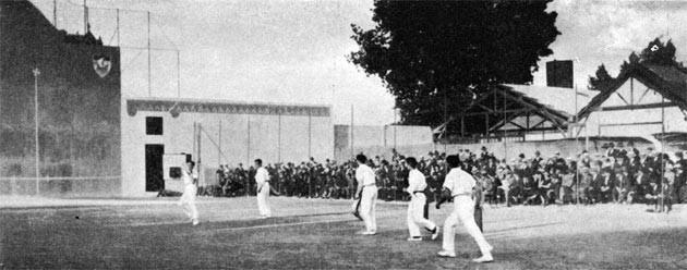 Φωτογραφία από τους Ολυμπιακούς αγώνες του 1900 με τις ομάδες της Γαλλίας και της Ισπανίας