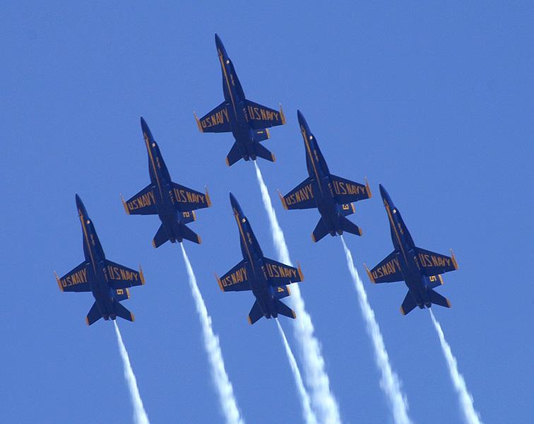 blue-angels-formation-02.jpg