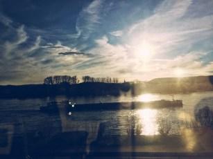 Rheinblick aus dem Zug