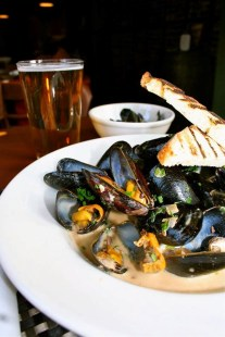 The Wild Rover | PEI mussels, Guinness steamed, garlic, butter, cream, grilled bread. Can't get any fresher than PEI mussels! Extra bread please!
