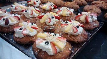 Bridge Cafe | Banana split muffins