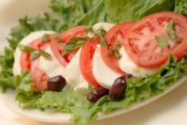 Fratello's | caprese salad