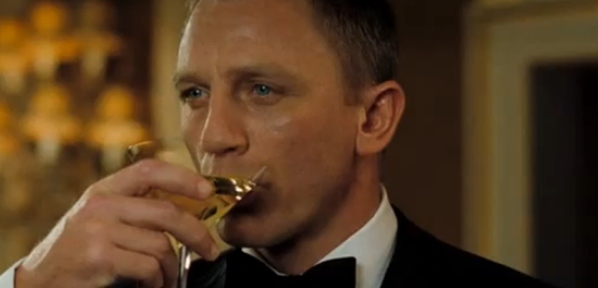Casino Royale Daniel Craig drinking martini 8 Celebrity Cocktails: Famous Cocktails in Film and TV
